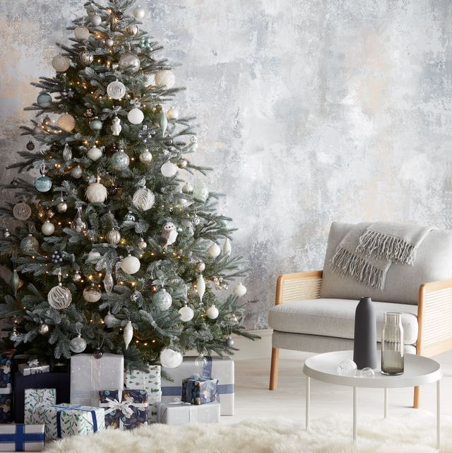 Monochromatic Holiday Decor