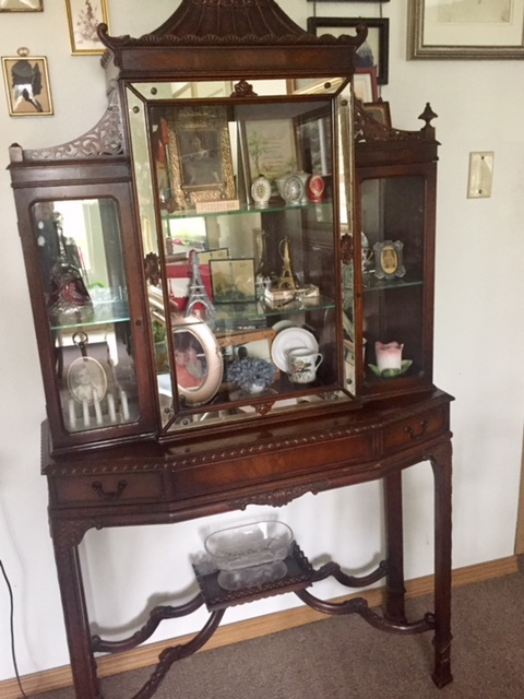 Aunt Elsie's Chinese Chippendale Curio